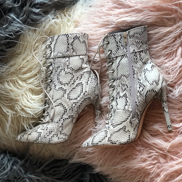 Lola Shoetique Shoes - 💕BRAND NEW💕 Snake skin lace up heels